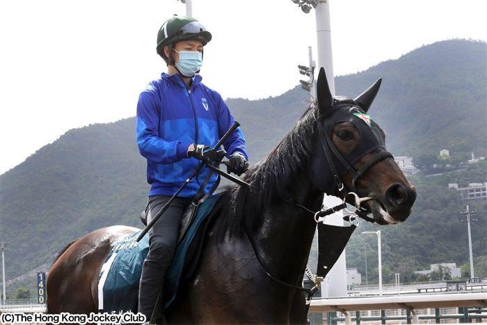 初の海外挑戦となる三冠牝馬デアリングタクト